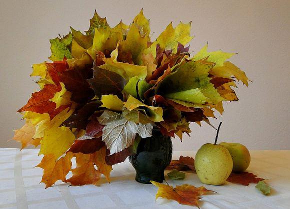 Букеты из желтых листьев
